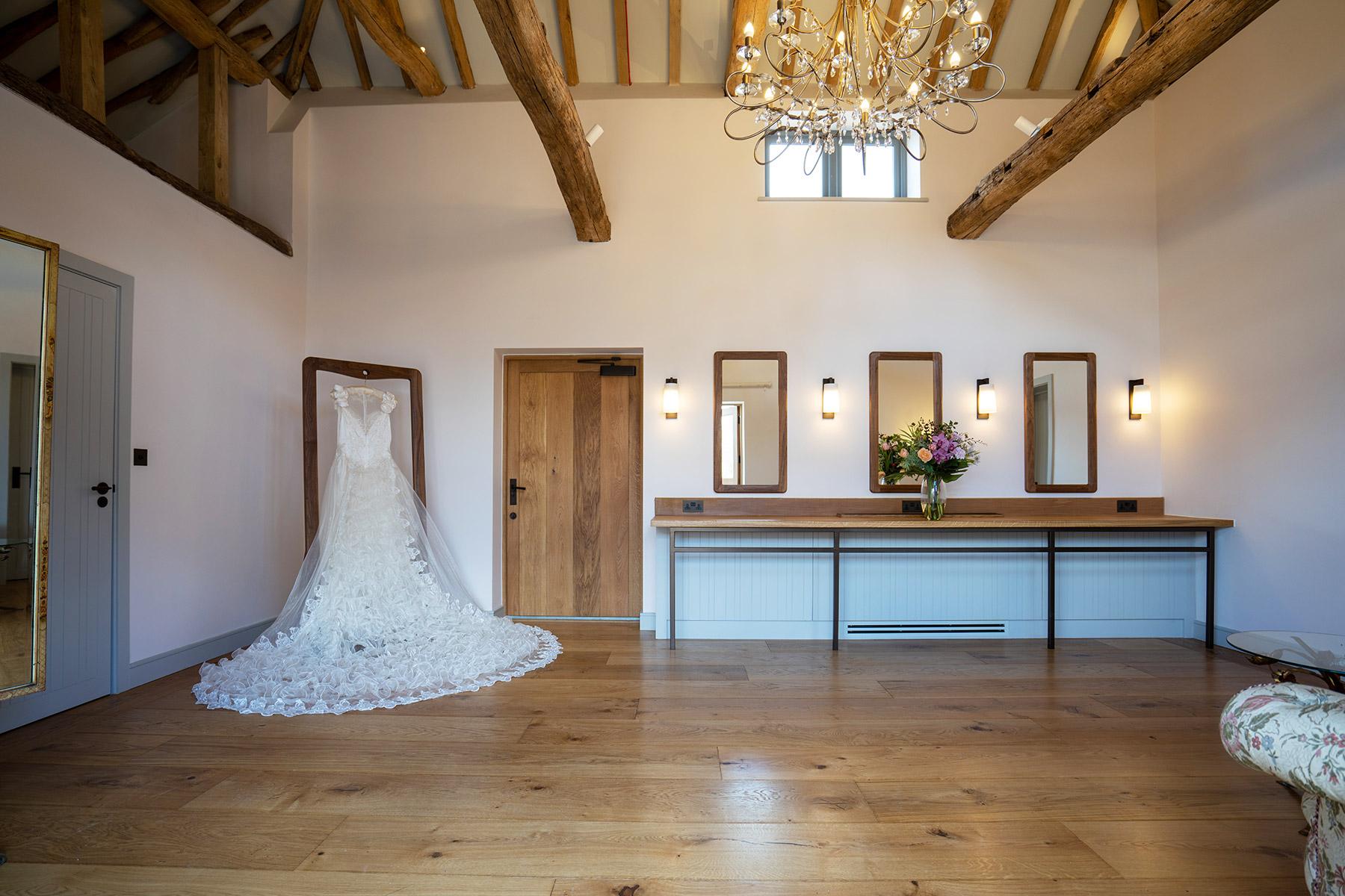 Rackleys Wedding Barn Buckinghamshire Brides Room